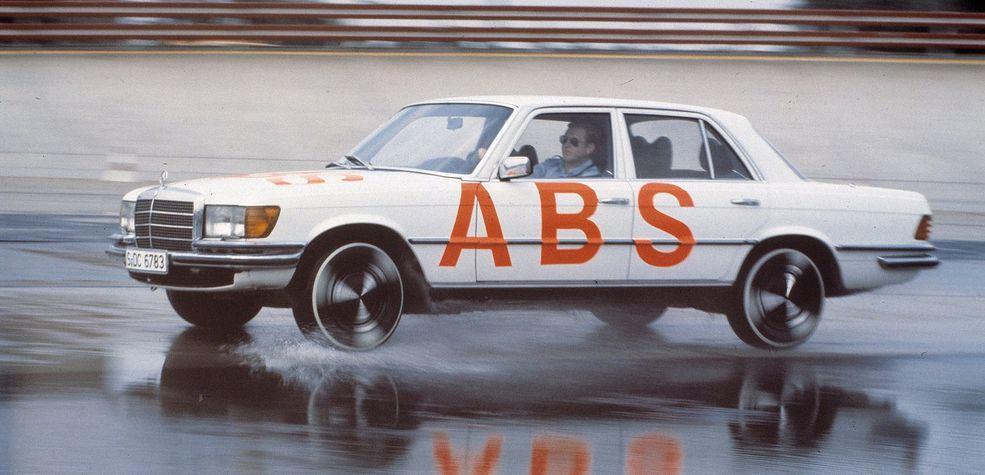 Systemy wsparcia kierowcy - ABS